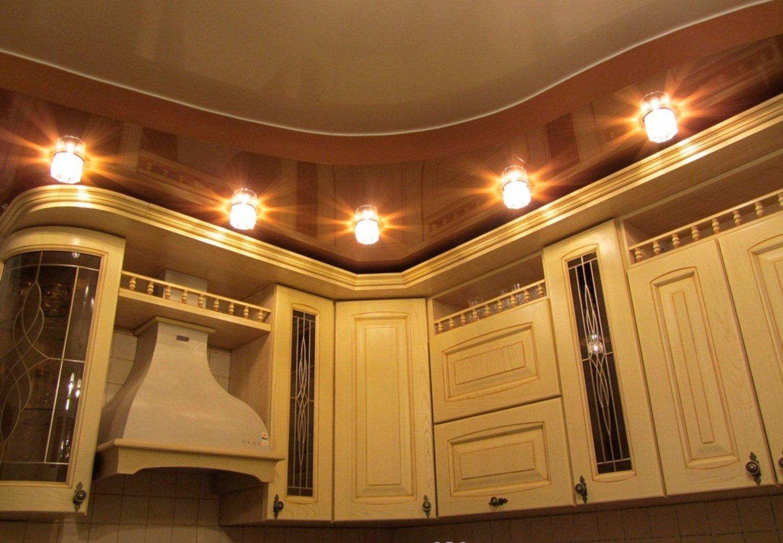 картинки потолки в кухне само